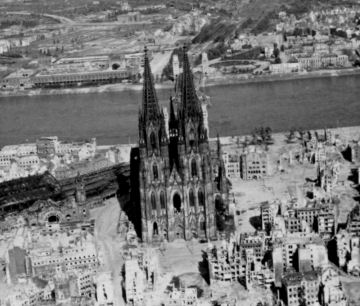 Cologne Cathedral 7 May 45